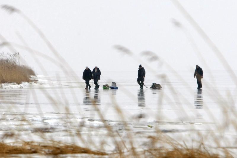 Žvejams ant Kuršių marių gąsdinimai – nė motais
