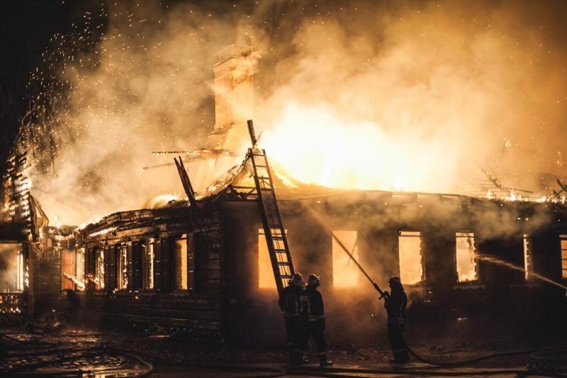 """""""Bajorkiemio"""" gaisro byloje įtariamųjų dar nėra"""