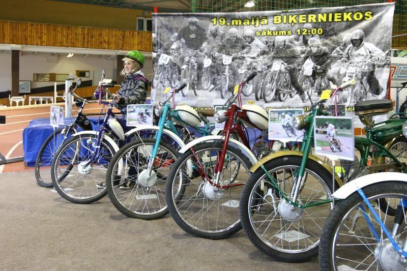 Kaune – pirmoji Lietuvos automobilių ir motociklų sporto paroda