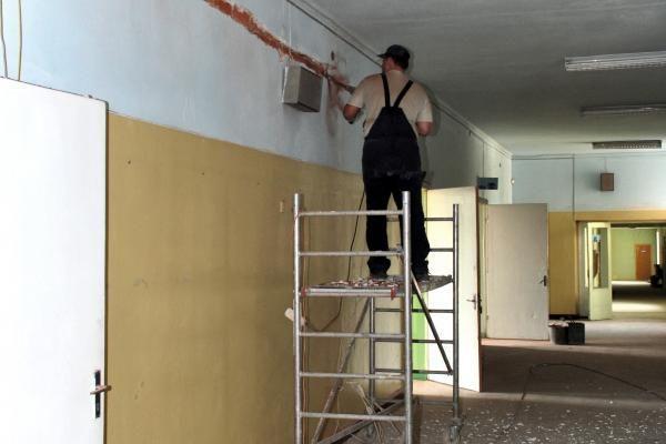 Būsto remonto meistrų paslaugos – paklausesnės už teikiamas bendrovių