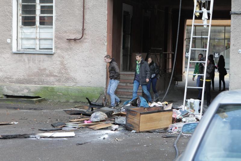 Klaipėdoje, Stasio Šimkaus gatvėje, užsiliepsnojo butas