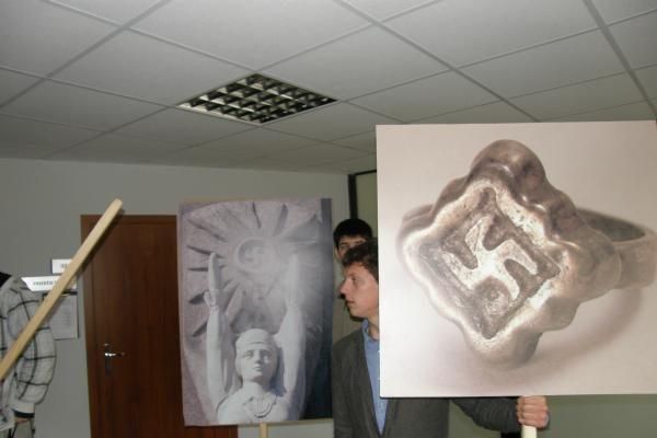 Klaipėdoje - antras konfliktas dėl senovinių svastikų