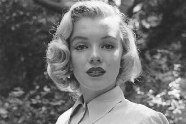 Žiniasklaida paviešino nematytas M.Monroe nuotraukas