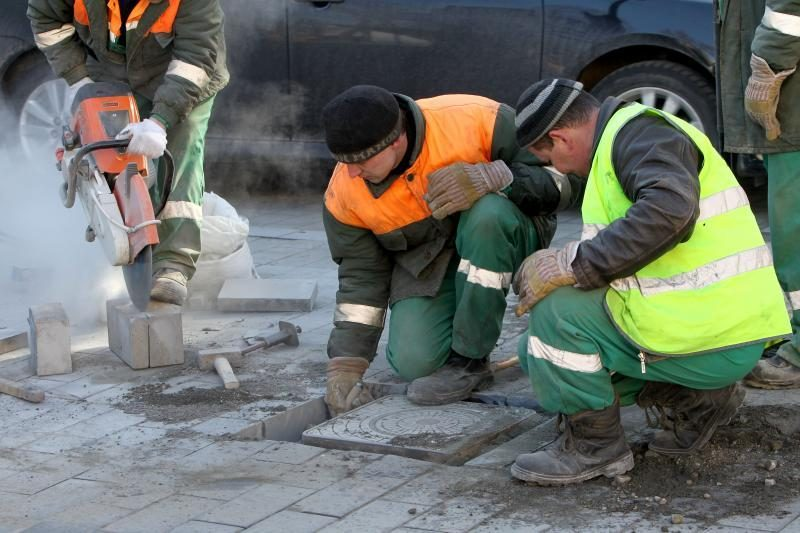 Savivaldybė Gedimino pr. tvarkyti perka trinkelių už 109 tūkst. Lt