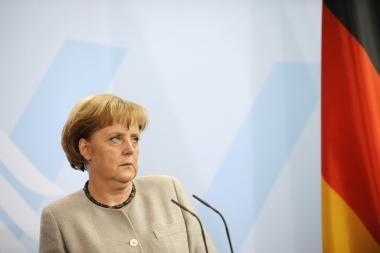 Vokietijoje prie A.Merkel biuro aptiktas įtartinas paketas