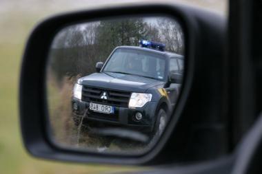 Vilniuje sučiupti automobilių veidrodėlių vagys