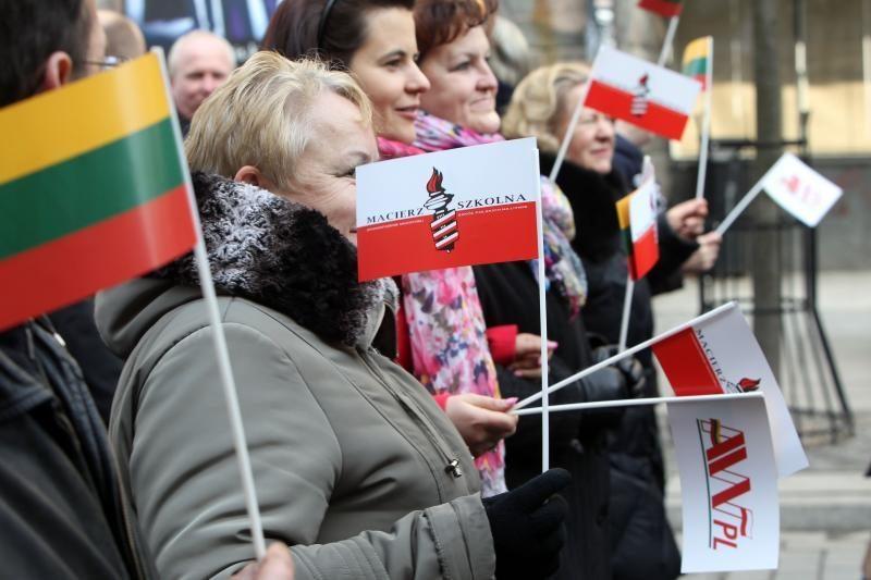 Lenkai turi suprasti lietuvių baimes, Lietuva – Varšuvos susierzinimą