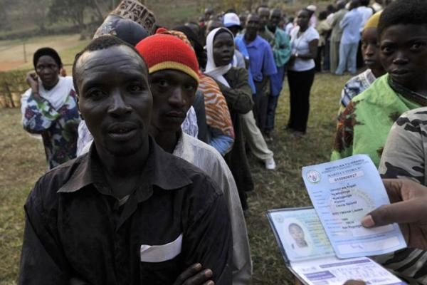 Ruandoje triuškinama dauguma perrinktas prezidentas P.Kagame