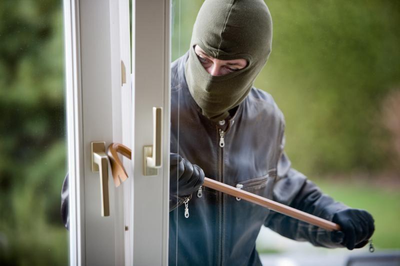 Iš kaunietės namų pavogta beveik 24 tūkst. litų