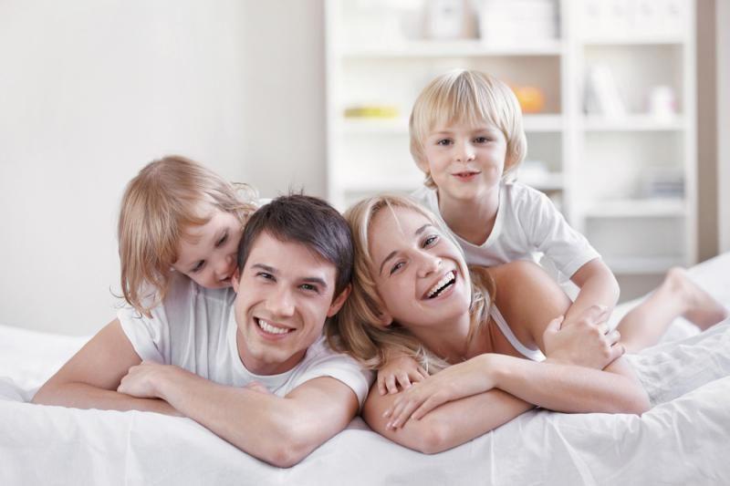 Išsiskyrus tėvams, siūloma vaikui paeiliui gyventi su abiem