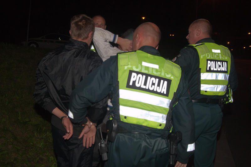 """Įtariamieji Vilniaus """"lazeristai"""" sulaikyti po gaudynių (papildyta)"""
