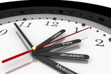 Seimo kontrolierius ragina apklausti gyventojus dėl laikrodžių sukiojimo