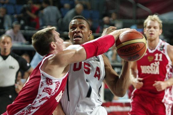 JAV komanda antroje rungtynių dalyje palaužė rusus