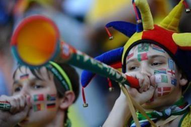 UEFA uždraudė į stadionus neštis vuvuzelas