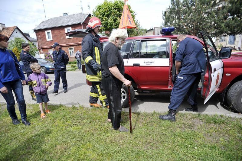 Seną namą remontavęs kaunietis rado pavojingo cezio