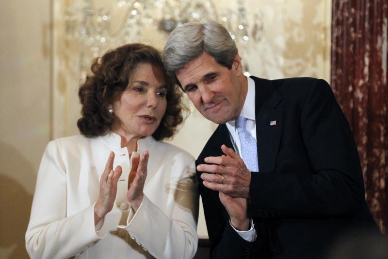JAV sekretoriaus J. Kerry žmona skubiai išvežta į ligoninę