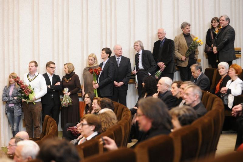 Trylikai menininkų įteiktos Vyriausybės kultūros ir meno premijos