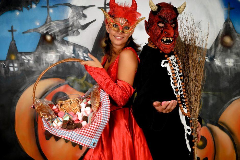 Helovino kaukės populiarėja