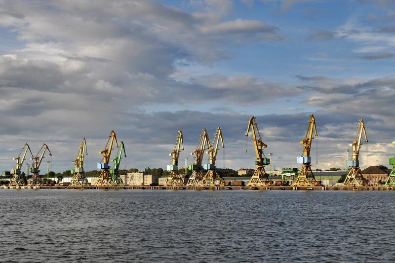 Klaipėdoje laukiamas NATO krovinius gabensiantis laivas