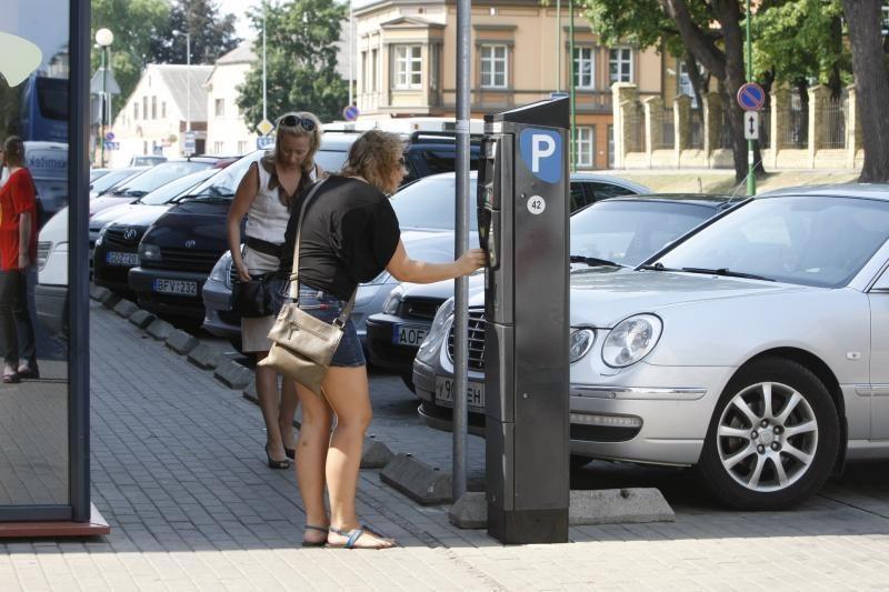 Klaipėdoje padaugės pigesnių automobilių stovėjimo vietų