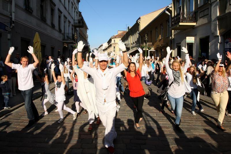 Kauno senamiestyje – masinė šokio fiesta