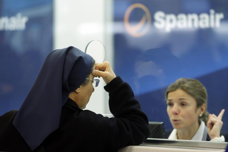 """Oro bendrovei """"Spanair"""" sustabdžius veiklą, įstrigo daug keleivių"""