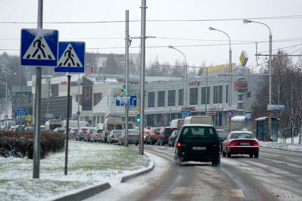 Iškritus sniegui Vilniuje padaugėjo avarijų