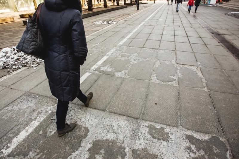 Laisvės alėjoje – pavojus išsisukti koją
