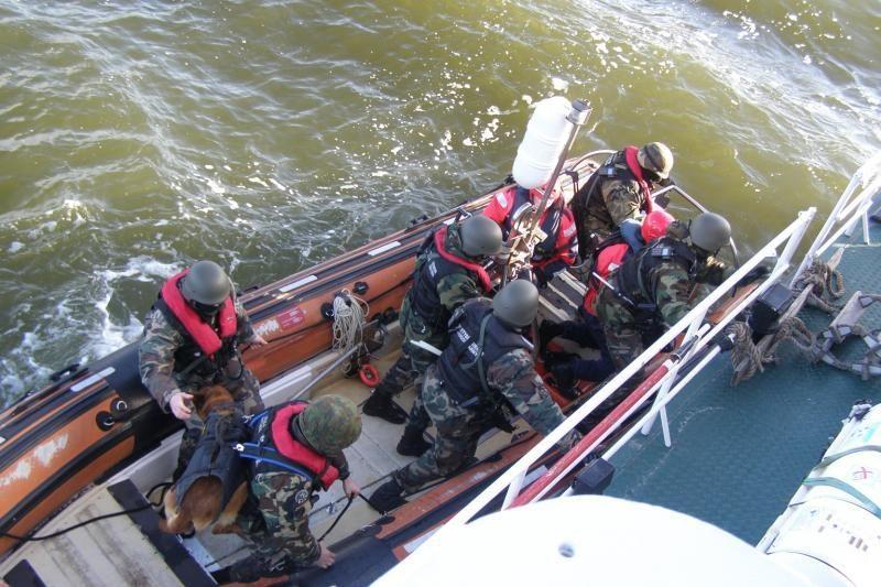 Jūroje - Karinių jūrų pajėgų ir pasieniečių pratybos