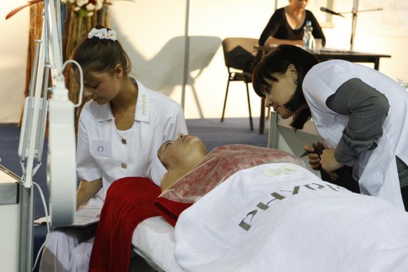 Klaipėdiečiai plūsta į grožio ir sveikatingumo parodą