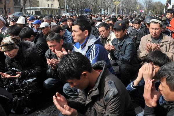 """Kirgizijoje per prezidento rinkimus užfiksuota """"reikšmingų pažeidimų"""""""