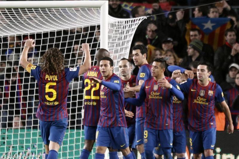 """Čempionės titulą ginanti """"Barcelona"""" vejasi principinius lyderius"""
