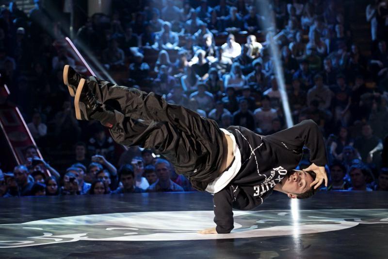 Pasaulio breiko šokių čempionas Roxrite mokys lietuvius šokti