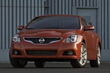 """2010 metų """"Nissan Altima"""": maksimalus malonumas"""