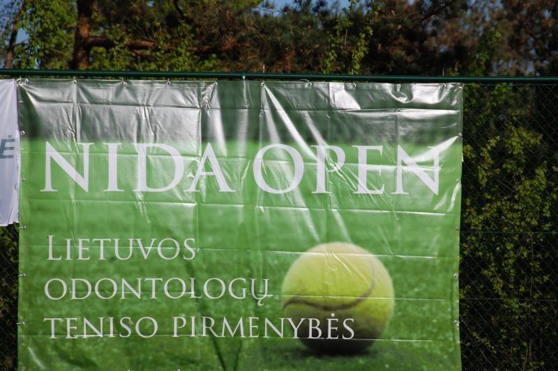 Neringoje vyksta šalies odontologų teniso kovos