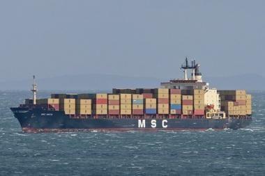 Klaipėdoje - ilgiausias uosto istorijoje konteinervežis