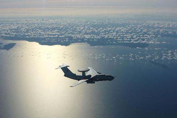 Baltijos oro erdvę saugantys NATO naikintuvai palydėjo rusų karo lėktuvą