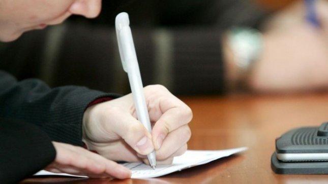 Egzaminų paradoksai: pirmūnai kapstė per giliai