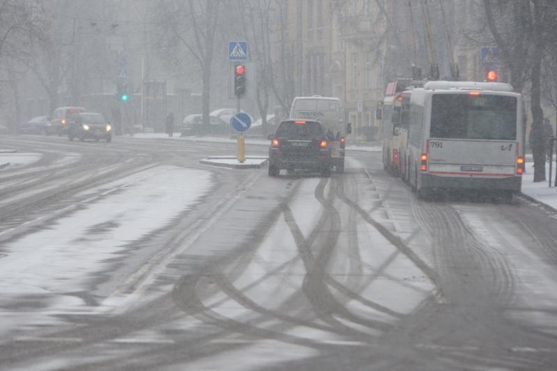 Slidžių magistralinių kelių yra Vakarų ir Rytų Lietuvoje