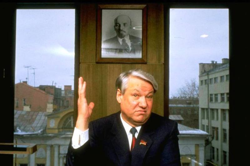 Prezidentė B.Jelcino našlei įteiks jam skirtą valstybinį apdovanojimą