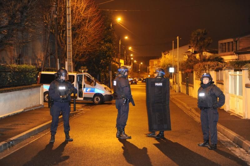 """Po išpuolių Tulūzoje policija užspeitė įtariamą """"al Qaeda"""" narį"""