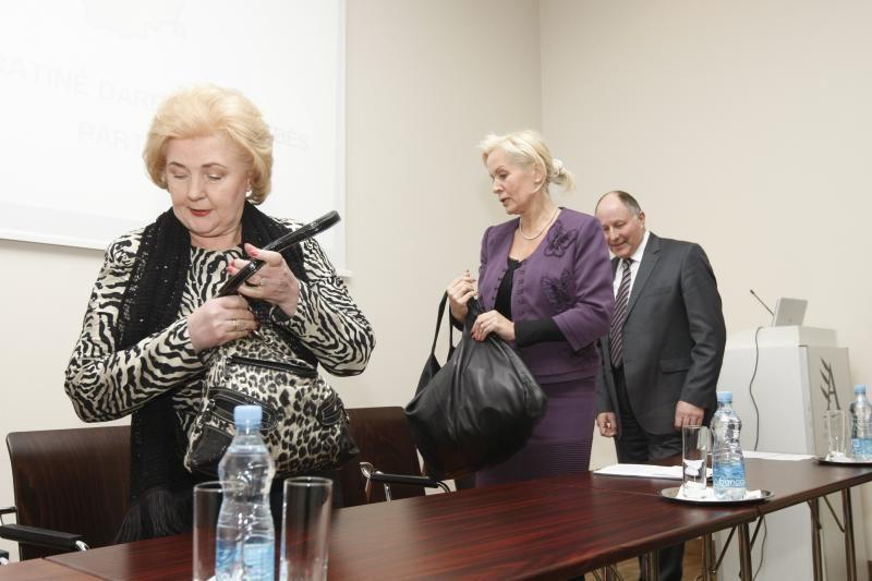 Klaipėdoje K.Brazauskienės paprašyta išsirengti