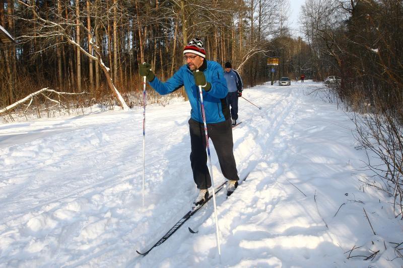 Kleboniškio   miške  pažiro  slidininkai