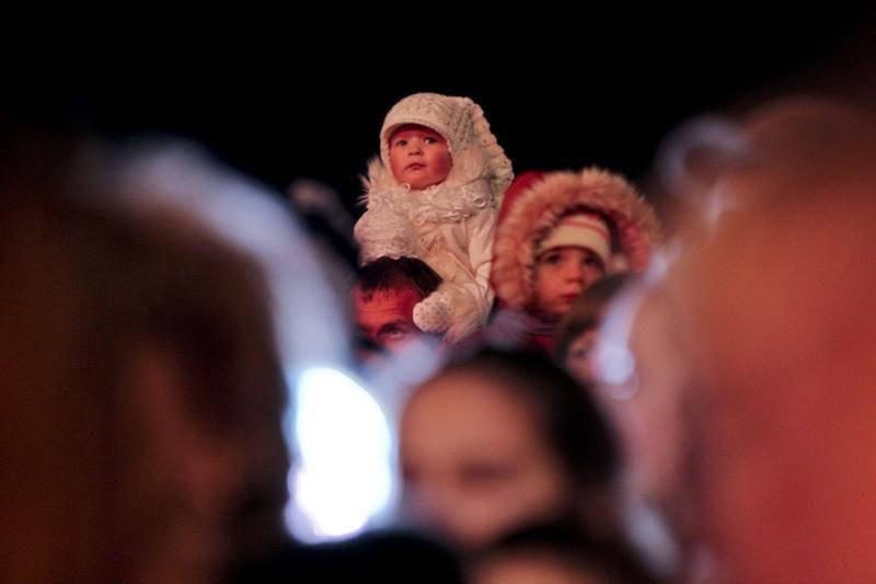 Sostinėje įžiebta aukščiausia Kalėdų eglė Baltijos šalyse