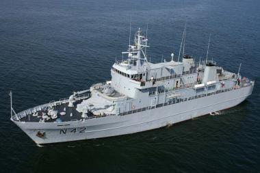 Baltijos jūroje – dar vienos karinių laivų pratybos