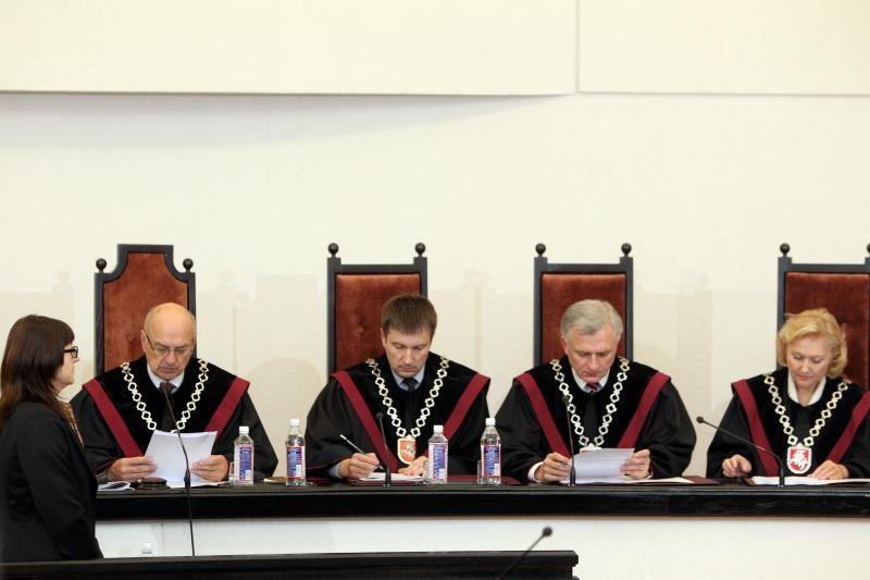 Teismas: pažeidimai bado akis, bet naujų rinkimų nereikės (komentarai)