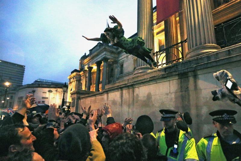 """M. Thatcher priešininkų """"šventėje"""" Londone dalyvavo šimtai žmonių"""