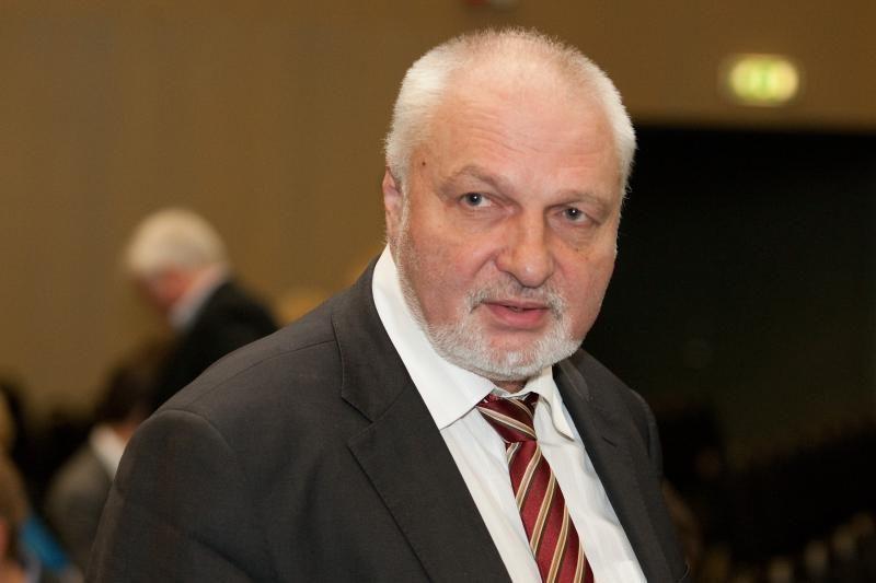 V.Mazuronis žada skųsti VRK sprendimą neregistruoti R.Pakso rinkimuose