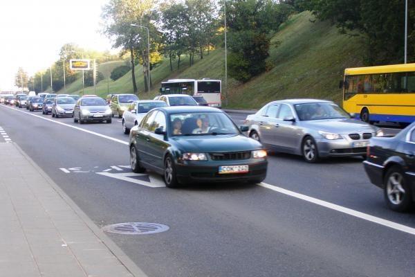 Greičio matuoklių aklumas skatina sostinės vairuotojų chuliganizmą