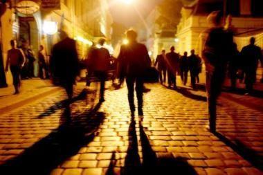 Gidai siūlo optimizmo ieškoti praeityje